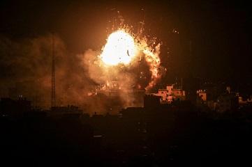 ISRAELI ROCKET GAZA CITY AL AQSA TV BLDG