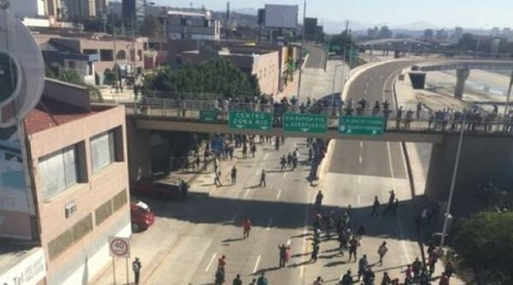 PICTURE OF MIGRANTS ILLEGALS SAN DIEGO TIJUANA BORDER