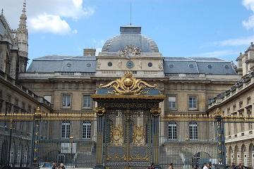 PARIS PALAIS DE JUSTICE