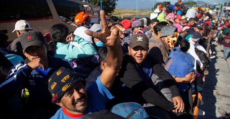 Over nine thousand Central Americans in Mexico head to the United States